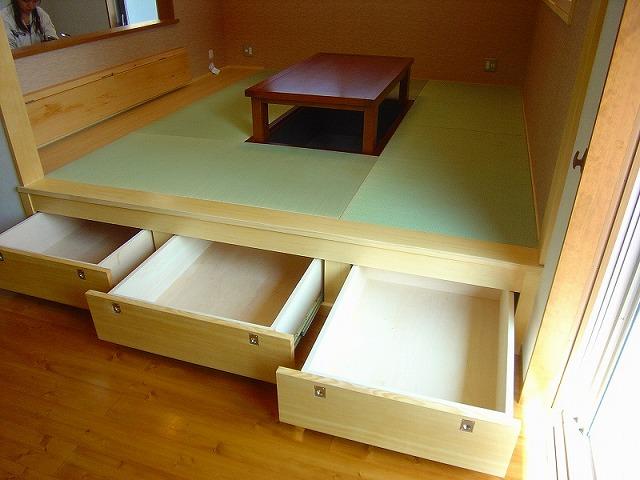 畳の下の造り付け収納